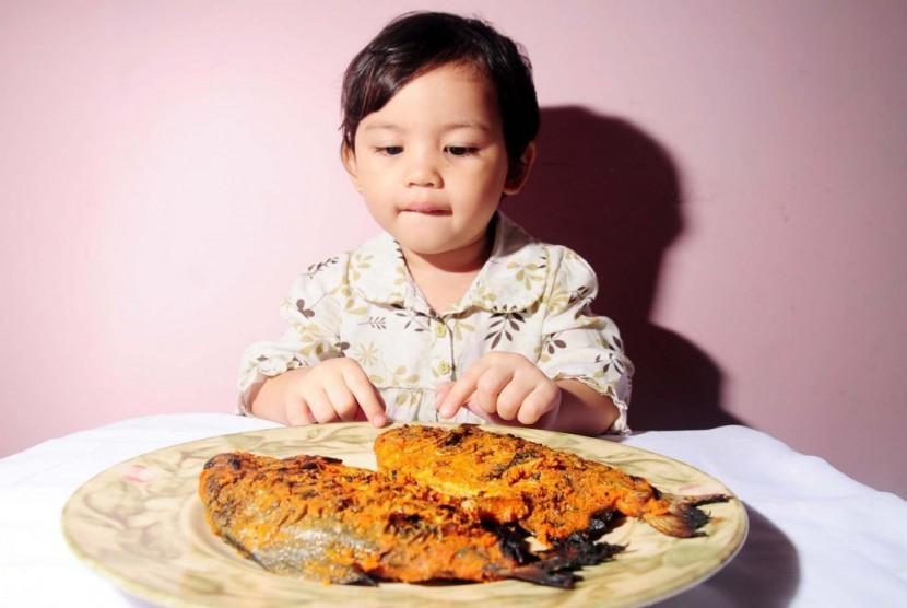 Banyak Manfaat Makan Ikan Buat Anak Kecil